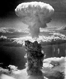 220px-Nagasakibomb[1].jpg