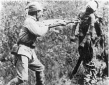 220px-Japanese_bayonet_practice_with_dead_Chinese_near_Tianjin[1].jpg